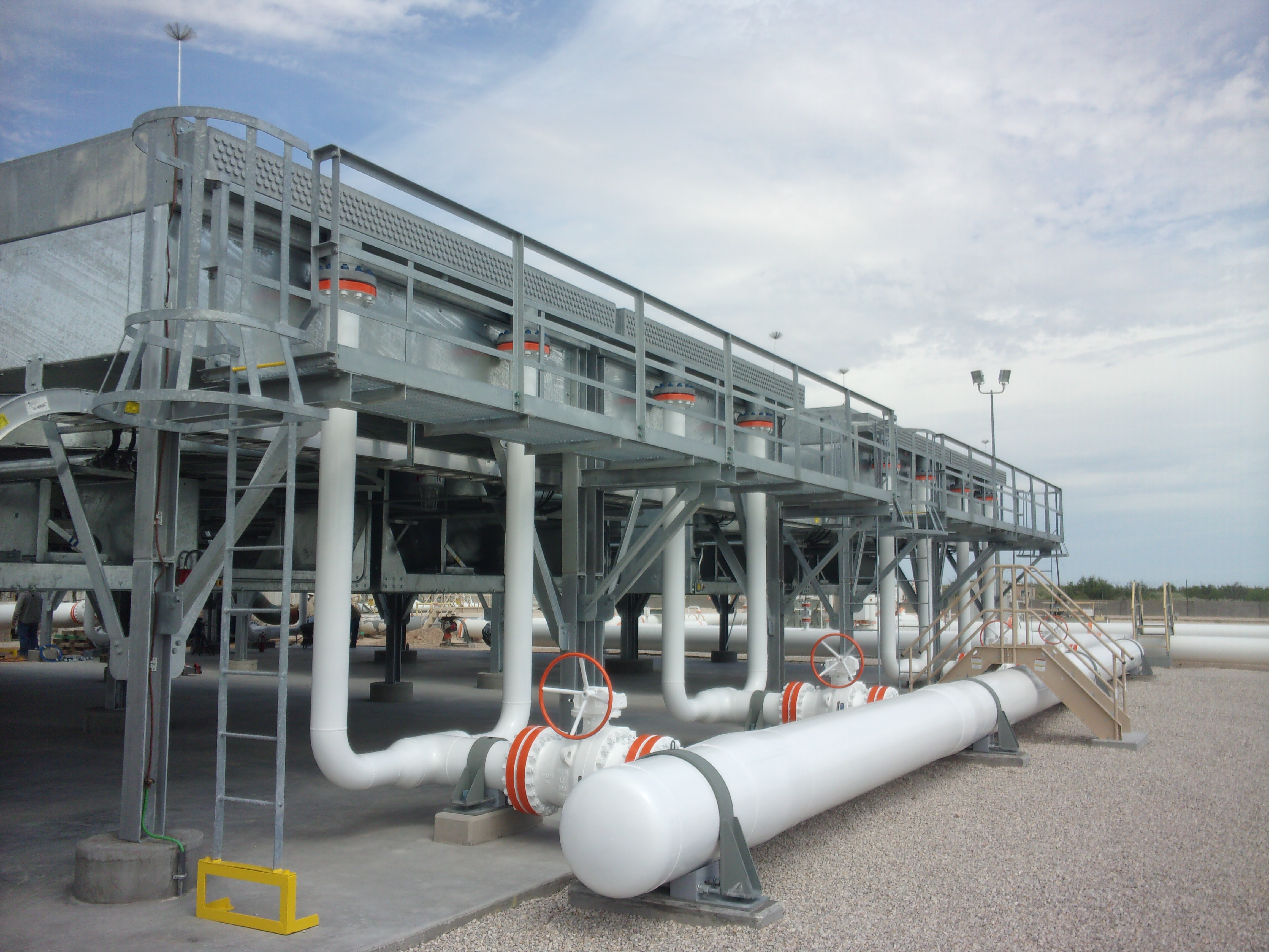Air Cooled Heat Exchanger : Heat exchangers for permian basin project gas